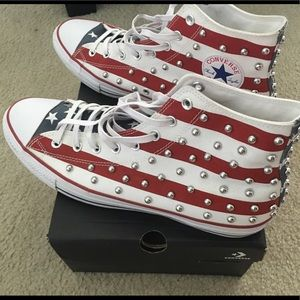 Barely worn Converse All-Star sneakers